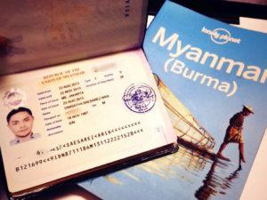 Буклет Мьянмы и загранпаспорт